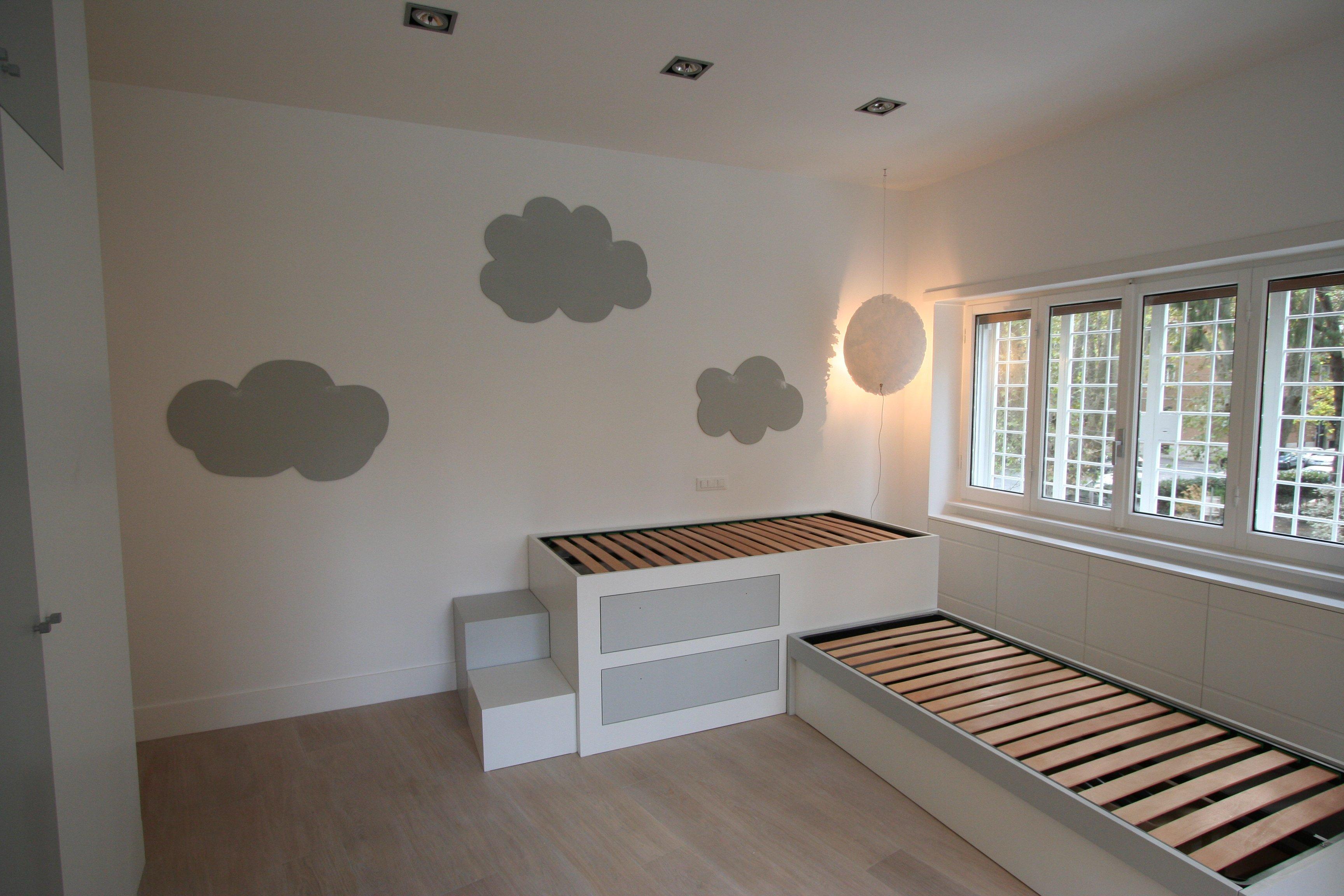 Image camera da letto bimbi foto 4 due letti - Pareti camera bambini ...