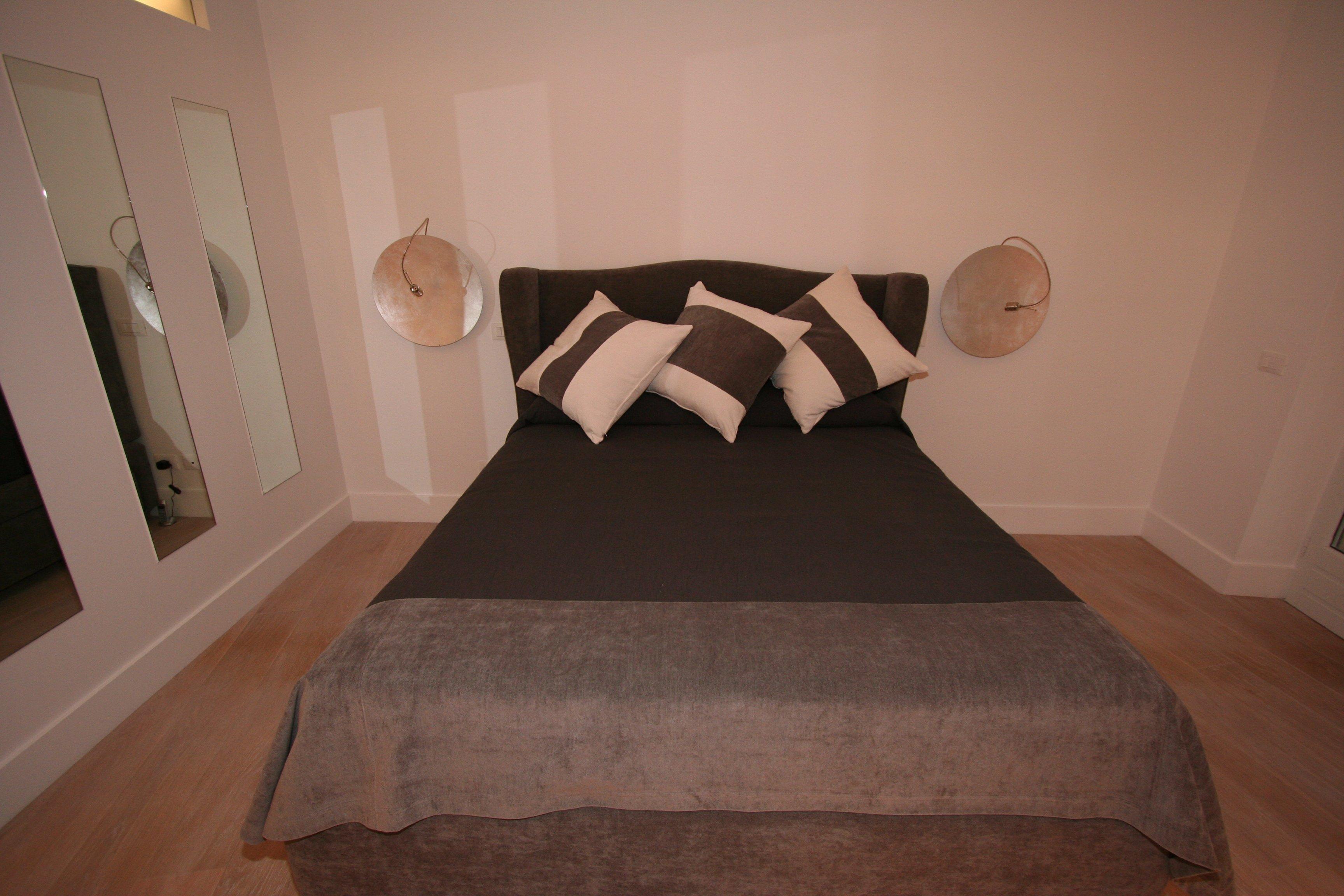 Image camera da letto foto letto con illuminazione alle spalle