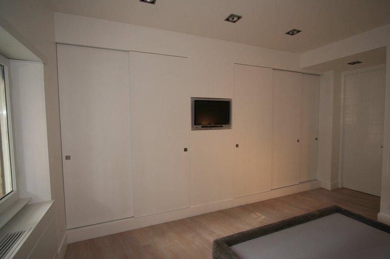 Image camera da letto foto 4 armadio con le ante - Armadio camera da letto offerte ...