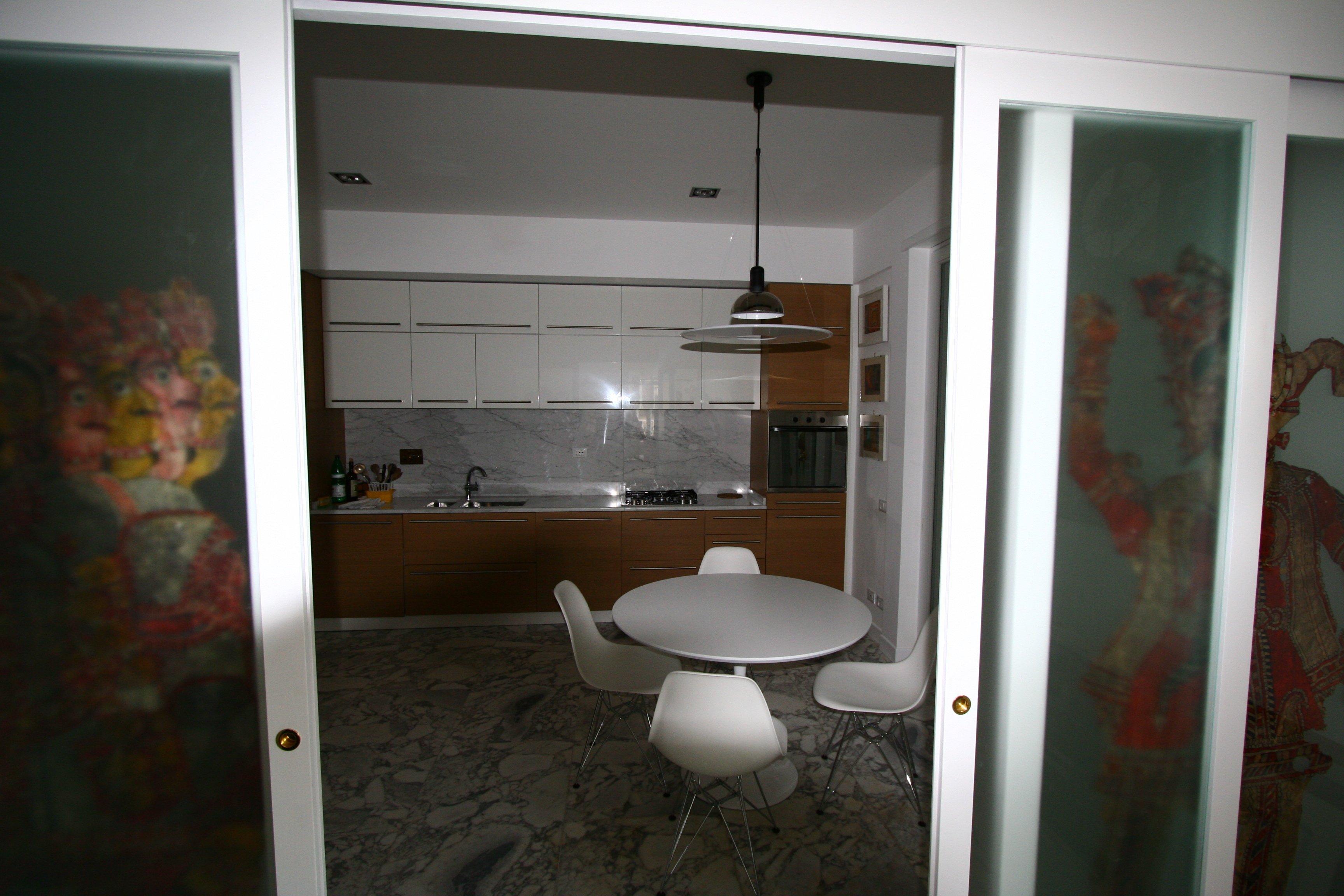 Image: Cucina foto 6 entrata porta scorrevole salone