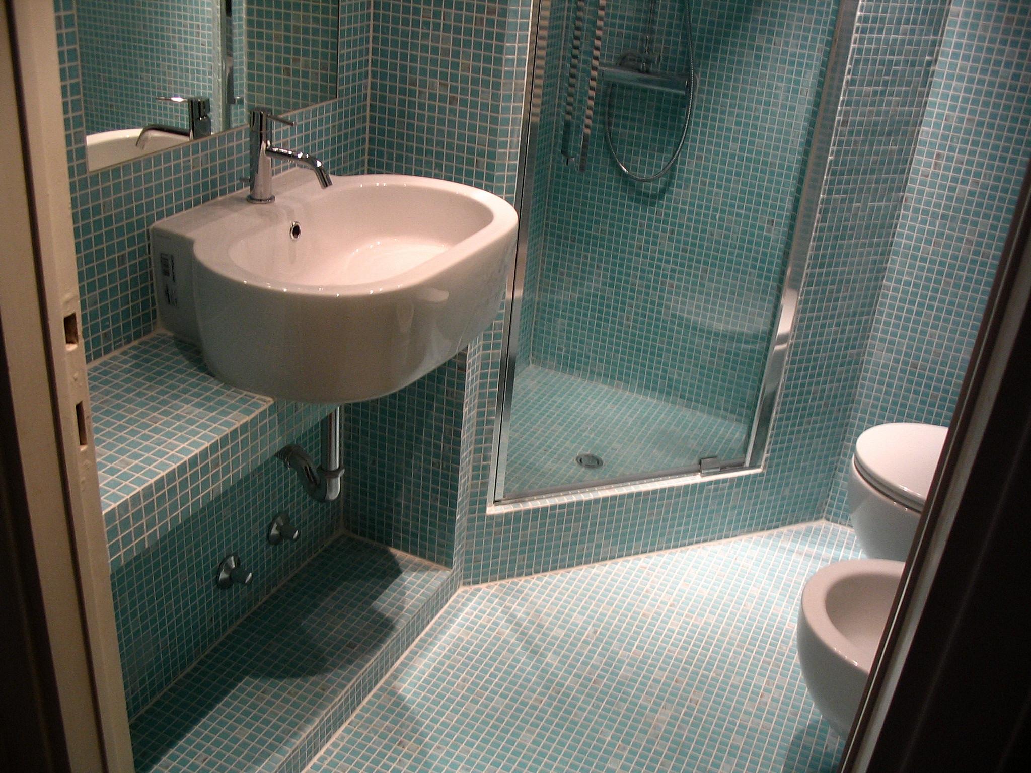 Mi piace immergersi nella bagno di casa mensole per - Mensole bagno senza forare ...